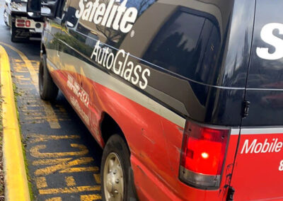 Mobile businesses like Safelite rely on professional fleet towing to help them get back on schedule fast.